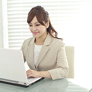 e-ラーニングを使用した社員様や管理職の方々への教育を実施します